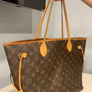 Handbags - Louis Vuitton Neverfull mm monogram